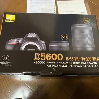 Nikon - Nikon D5600ダブルズームキット 新品未使用品 3年保証おまけ付き