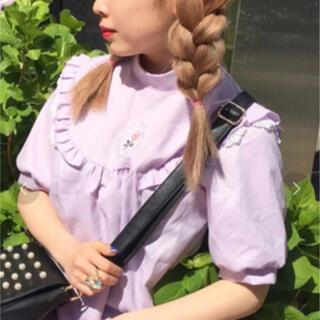 スピンズ(SPINNS)のローズモチーフワンピース 薔薇 刺繍(ひざ丈ワンピース)
