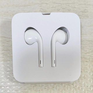アップル(Apple)のアップル イヤホン EarPods 純正品(ヘッドフォン/イヤフォン)