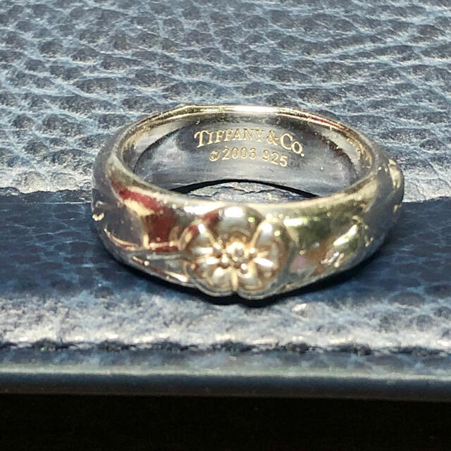 Tiffany & Co.(ティファニー)のTiffanyフラワーリング シルバー925 レディースのアクセサリー(リング(指輪))の商品写真