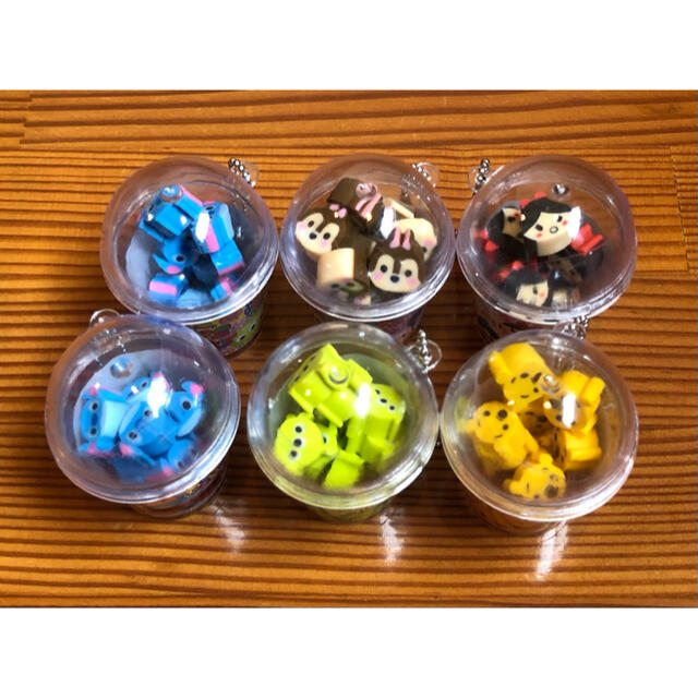 Disney(ディズニー)のディズニー ツムツム ボトル入り 消しゴム 6個セット 雑貨 キャラ消しゴム エンタメ/ホビーのおもちゃ/ぬいぐるみ(キャラクターグッズ)の商品写真