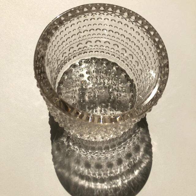 iittala(イッタラ)のイッタラ カステヘルミ iittala 中間色 ライトリネン インテリア/住まい/日用品のインテリア小物(置物)の商品写真