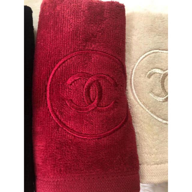 CHANEL(シャネル)のCHANEL ノベルティハンカチ 未使用 レディースのファッション小物(ハンカチ)の商品写真