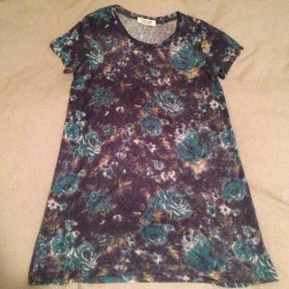 ダブルネーム(DOUBLE NAME)の花柄Tシャツ(Tシャツ(半袖/袖なし))