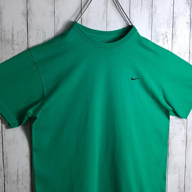NIKE(ナイキ)の【美品】【海外モデル】ナイキ 刺繍ロゴ スモールロゴ Tシャツ 緑 黒 メンズのトップス(Tシャツ/カットソー(半袖/袖なし))の商品写真