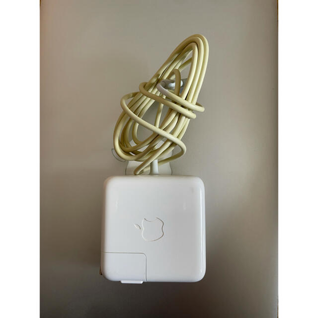 Mac (Apple)(マック)の11インチ macbook air i5/4/128 office付き スマホ/家電/カメラのPC/タブレット(ノートPC)の商品写真