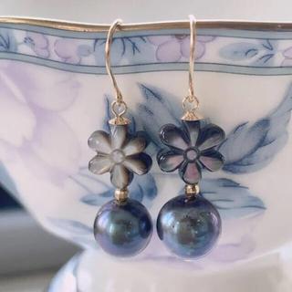 【特価品】k18 花貝付きあこや真珠ピアス