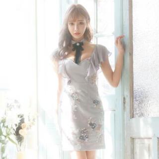 dazzy store - 明日花キララ着用 チョーカーリボン付きエアリーフラワータイトミニドレス