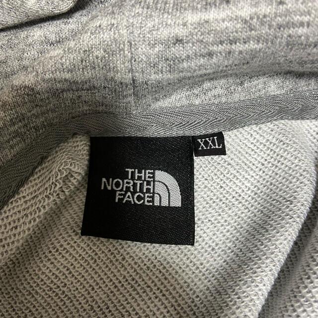 THE NORTH FACE(ザノースフェイス)の希少サイズ! ノースフェイス スクエアロゴ フーディー パーカー XXL グレー メンズのトップス(パーカー)の商品写真