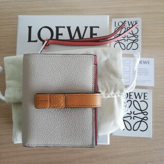 LOEWE - 【新品】LOEWEロエベ コンパクトジップウォレット