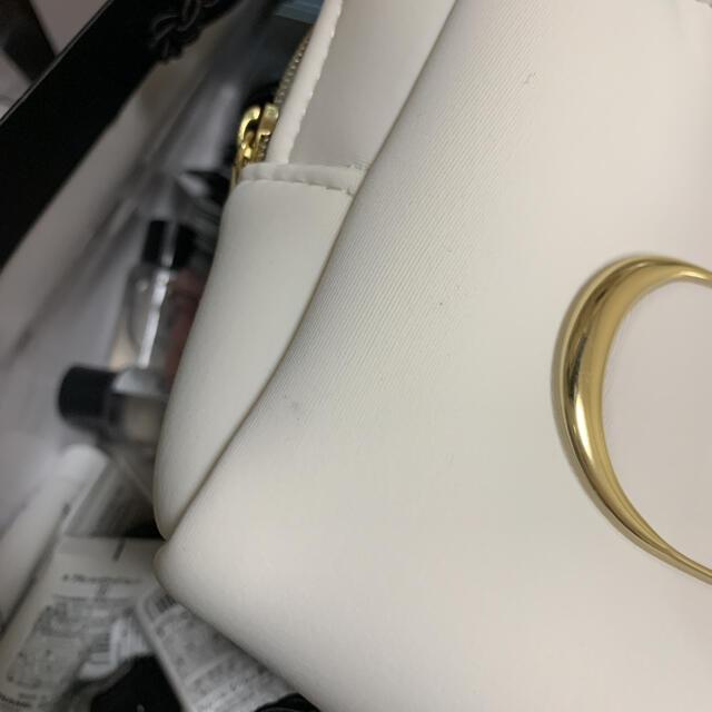 Dior(ディオール)の※訳あり※ディオール ノベルティ ふわふわ ロゴ ポーチ ホワイト 箱不良 レディースのファッション小物(ポーチ)の商品写真