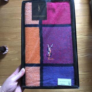 イヴサンローランボーテ(Yves Saint Laurent Beaute)のYSL スポーツタオルスカーフ 未使用品(タオル/バス用品)