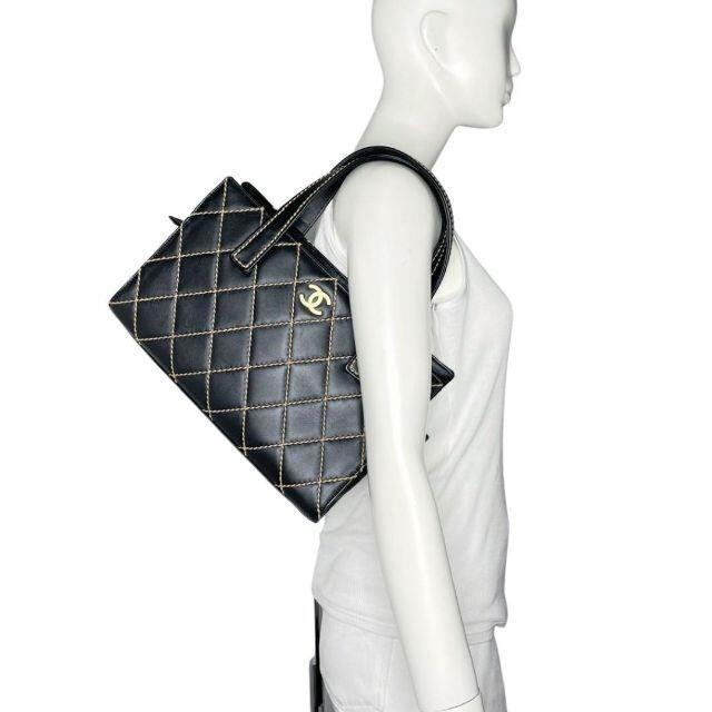 CHANEL(シャネル)の【美品】シャネル ハンドバッグ ワイルドステッチ ブラック 9番台 Q2 レディースのバッグ(ハンドバッグ)の商品写真