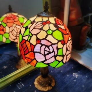 フランフラン(Francfranc)の美品◆【薔薇ステンドランプ☆中】ローズ照明◆ステンドグラス◆ライトランプ(テーブルスタンド)