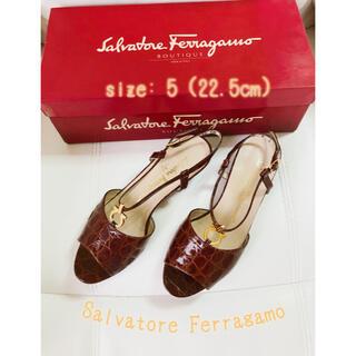 サルヴァトーレフェラガモ(Salvatore Ferragamo)のサルバトーレフェラガモ サンダル サイズ5 (22.5cm)(サンダル)