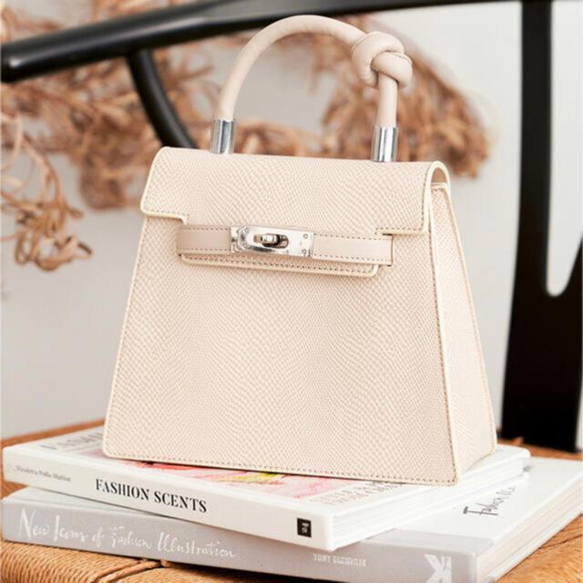 eimy istoire(エイミーイストワール)のダーリッチ ヴィーガンハンドルbag 1度短時間使用 レディースのバッグ(ハンドバッグ)の商品写真