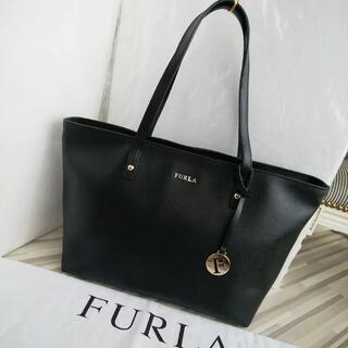 Furla - 未使用 フルラ FURLA バッグ トートバッグ 黒 チャーム付き