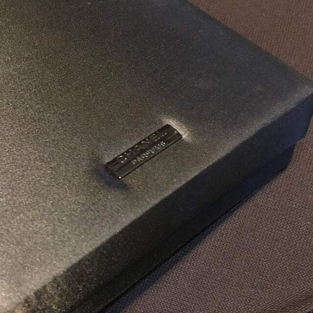 CHANEL(シャネル)の【連休特別価格】CHANELの収納ボックス インテリア/住まい/日用品の収納家具(リビング収納)の商品写真