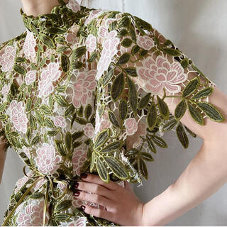 mame - vintage flower lace dress