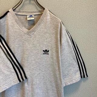 アディダス(adidas)の90s adidas Vネック ライン Tシャツ グレーゆるだぼ vintage(Tシャツ(半袖/袖なし))