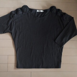 Couture Brooch - クチュールブローチ38M チャコールグレー三連 肩リボン 七分袖カットソー