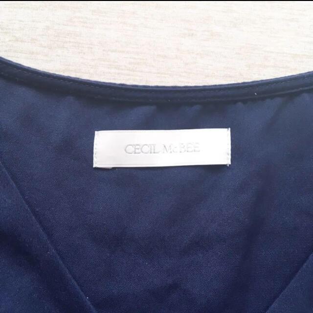 CECIL McBEE(セシルマクビー)のCECILMcBEE カットソー トップス ブラウス ネイビー レディースのトップス(シャツ/ブラウス(半袖/袖なし))の商品写真