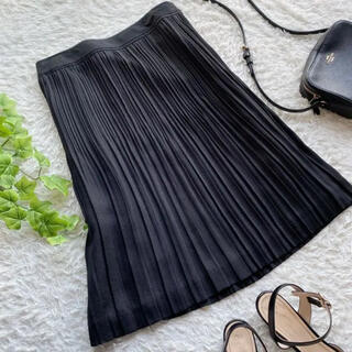 ニジュウサンク(23区)の23区 美品プリーツ スカート ブラック 黒 ひざ丈 日本製 Mサイズ(ひざ丈スカート)