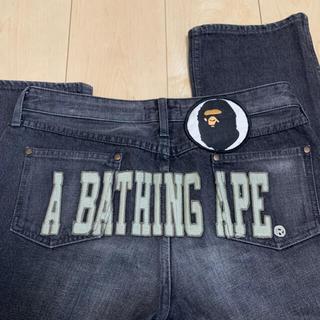アベイシングエイプ(A BATHING APE)のA BATHING APE 刺繍 デニムパンツ(デニム/ジーンズ)