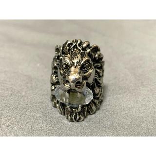グッチ(Gucci)の【週末お値下げ!】GUCCI ライオンヘッドリング クリスタル 指輪 16号(リング(指輪))