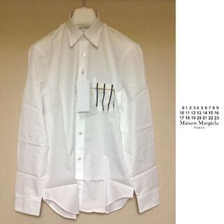 マルタンマルジェラ(Maison Martin Margiela)の新品 42 19ss マルジェラ シャツ 白 胸ポケットくり抜き 612(シャツ)