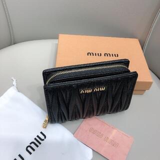 miumiu 折財布 女性 美品 箱付き 人気
