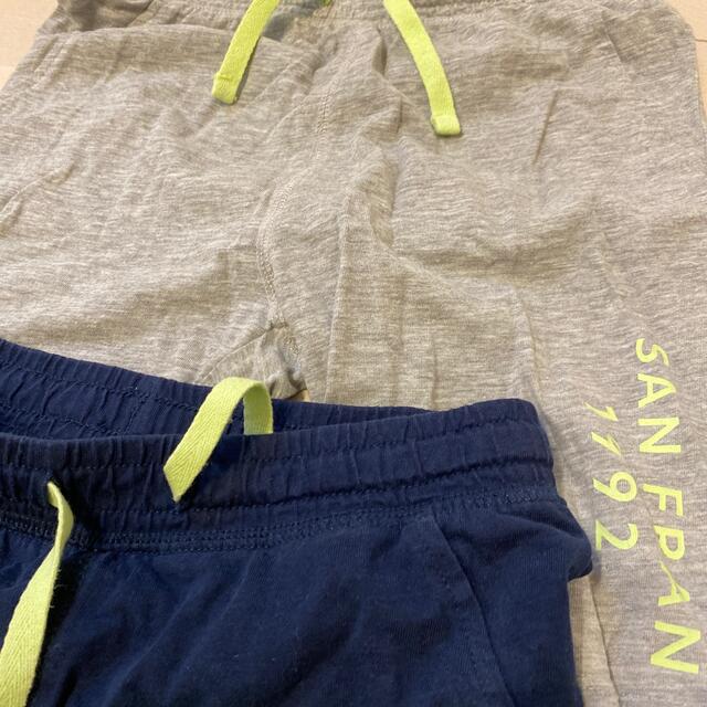 H&M(エイチアンドエム)のH&M ボーイズ パンツ 3枚セット キッズ/ベビー/マタニティのキッズ服男の子用(90cm~)(パンツ/スパッツ)の商品写真