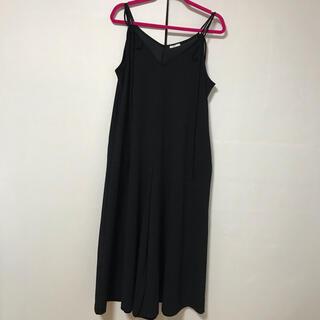 ジーユー(GU)のGU サロペット ブラック Mサイズ 美品(サロペット/オーバーオール)