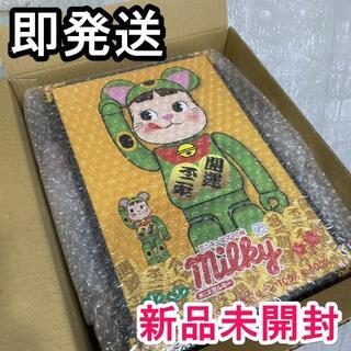 MEDICOM TOY - BE@RBRICK 招き猫 ペコちゃん 蛍光グリーン 100% & 400%