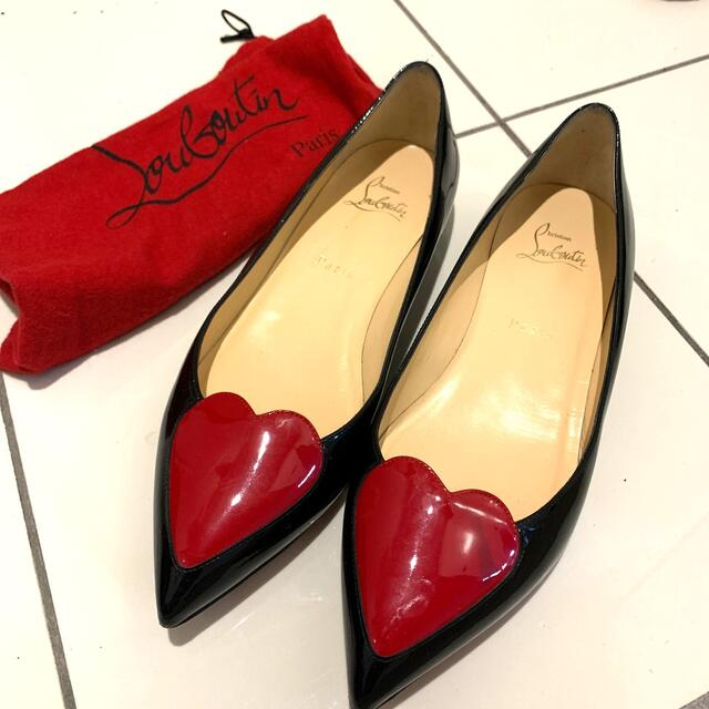 Christian Louboutin(クリスチャンルブタン)のクリスチャンルブタン ハートフラットシューズ 39 レディースの靴/シューズ(バレエシューズ)の商品写真