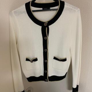 モマ(MOMA)の【新品】受付嬢風 カーディガン トップス 白 長袖 上品 綺麗系 羽織り(カーディガン)