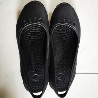 crocs - クロックストーン スカイラーフラット
