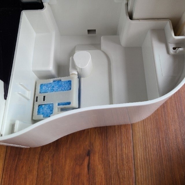 SHARP(シャープ)のKC F50 W  シャープ加湿空気清浄機 プラズマクラスター送料無料 スマホ/家電/カメラの生活家電(加湿器/除湿機)の商品写真