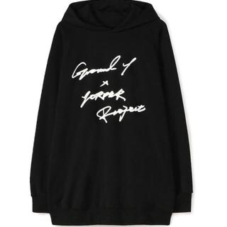 ヨウジヤマモト(Yohji Yamamoto)のGroundY×7ORDER コラボ ロゴフーディー(アイドルグッズ)
