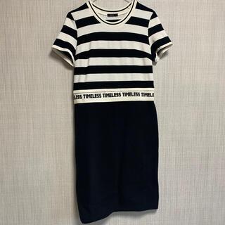 モマ(MOMA)の【新品】ボーダーワンピース スリット 黒 スカート スポーティ 着痩せ 半袖(ひざ丈ワンピース)