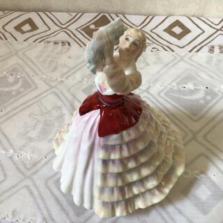 ロイヤルドルトン(Royal Doulton)のロイヤルドルトン フィギュリン 陶器人形 SUSAN (置物)