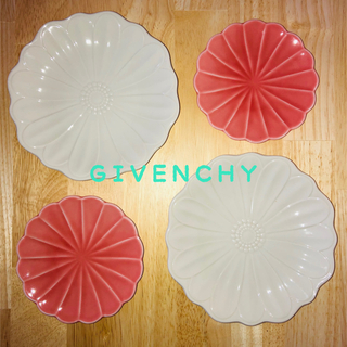 GIVENCHY - GIVENCHYのデザート皿と日本製の小皿4枚セット夏レシピとA5ファイル付