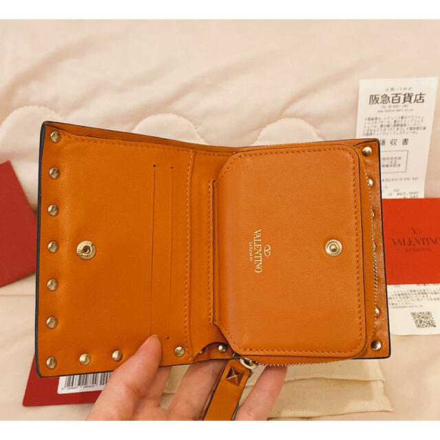 VALENTINO(ヴァレンティノ)のヴァレンティノ🧡二つ折り財布🧡ロックスタッズスモール レディースのファッション小物(財布)の商品写真