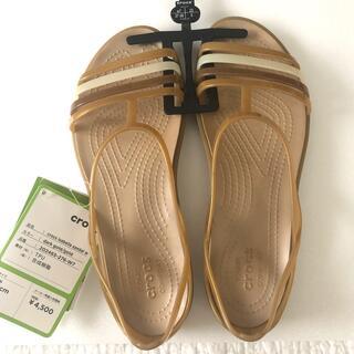 crocs - 〈新品〉crocs クロックス レディースサンダル