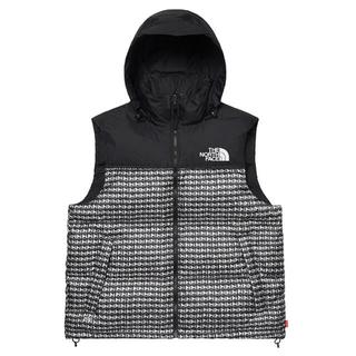 シュプリーム(Supreme)のSupreme TNF Studded Nuptse Vest L(ダウンベスト)