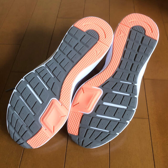 Reebok(リーボック)の新品 Reebok リーボック エンドレスロード レディース 24cm レディースの靴/シューズ(スニーカー)の商品写真