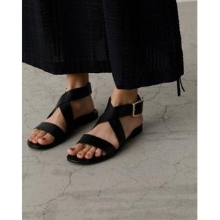 ENFOLD - RIM.ARK Cross strap leather sandal