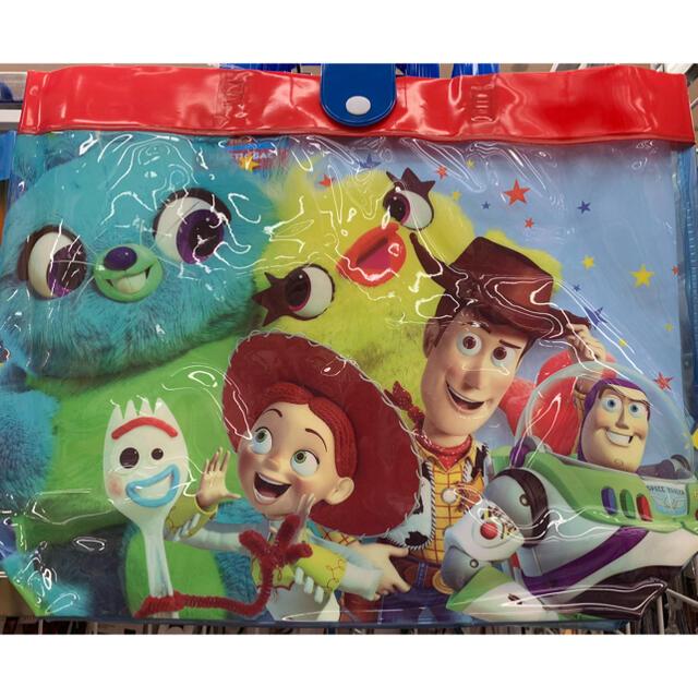 新品◡̈⃝♡Disney ピクサー トイ・ストーリー ビニール・プールバック エンタメ/ホビーのおもちゃ/ぬいぐるみ(キャラクターグッズ)の商品写真