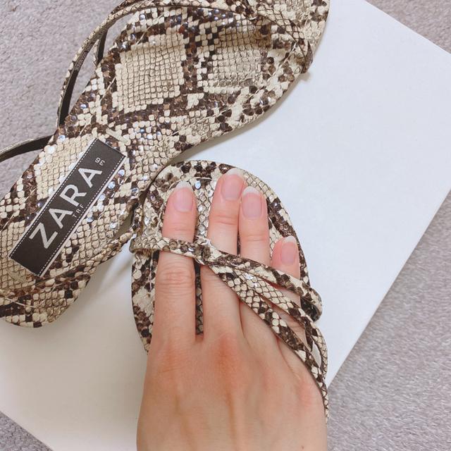 ZARA(ザラ)のZARA✳︎フラットサンダル✳︎パイソン レディースの靴/シューズ(サンダル)の商品写真