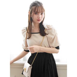 グレイル(GRL)のGRL バイカラースクエアネックパワショルトップス 新作 人気 韓国ファッション(カットソー(半袖/袖なし))